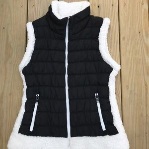 Calvin Klein performance Sherpa Lined puffer vest